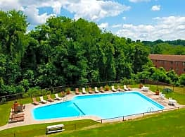 Birnam Wood Apartments - Monroeville