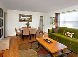 Royal Gardens Apartments - Piscataway