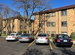 Moore Lake Apartments - Fridley