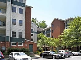 Pooks Hill Apartments - Bethesda