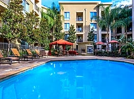 The Enclave At Warner Center Apartment Homes - Canoga Park