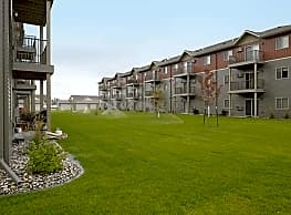Sterling Pointe Apartments - Grand Forks