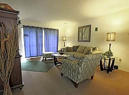 Hempstead Garden Apartments - Somerset