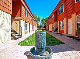 Stone Fountain Apartments - Norman