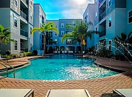 4050 Lofts - Tampa