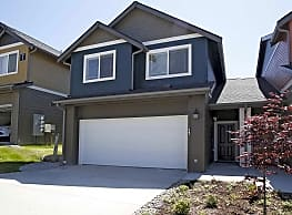 Robbins Hollow Townhomes - Puyallup