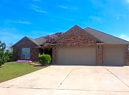 This 4 bedroom, 2 bath home has 2235 square feet o - Mustang