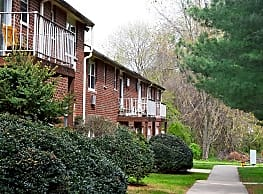 Pine Hill Apartments - Elkton