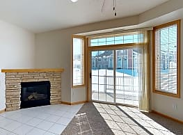 Crystal Bay Townhomes - Rochester