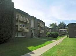 Clay Court Apartments - North Syracuse