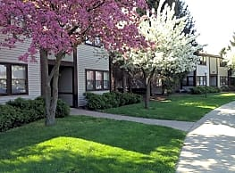 Valley Stream Apartments - Maumee