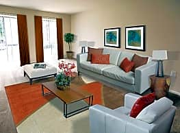 Reisterstown Square Apartments - Baltimore