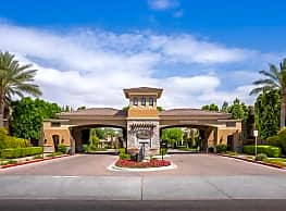 Versante Apartment Homes - Avondale