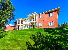CenterPointe Apartments & Townhomes - Canandaigua