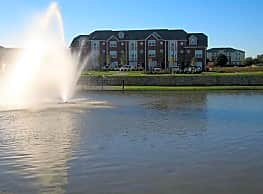 Lakeridge Townhomes - College Station