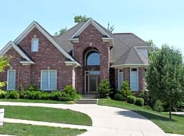 Executive Home in Landis Lakes - Louisville