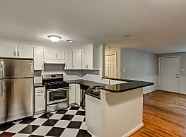 Cameron Hills Apartments - Raleigh