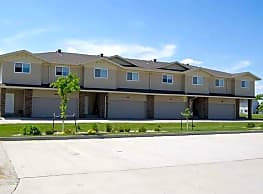 Town Square Townhomes - Fargo