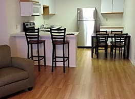 The Franklins ISU Apartments Fabulous Kitchens - Normal
