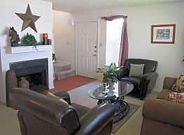 Chisholm Trail Townhomes - Fort Worth