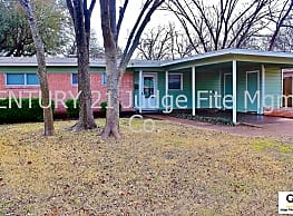 Charming 3/1.5 Home With  Car Carport In Duncanvil - Duncanville