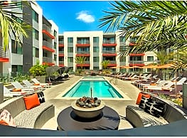 The TOMSCOT Apartments - Scottsdale