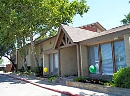 Forest Oaks Apartments - Leon Valley