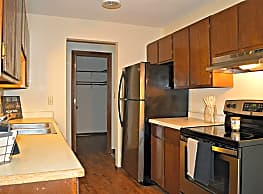Woodland North - Near Shopping Centers - Coon Rapids