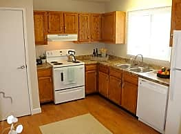 Coolidge Place Townhomes - East Lansing