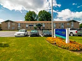 Huntington Club Apartments - Warren
