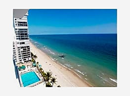 GORGEOUS OCEAN FRONT PROPERTY W/LOTS OF AMENTITIES - Fort Lauderdale