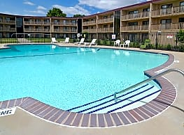 Courtyard Apartments - Saint Louis Park
