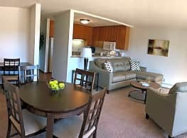 Basswood Trails Apartments - Maple Grove