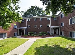Elayne Apartments - Parma Heights