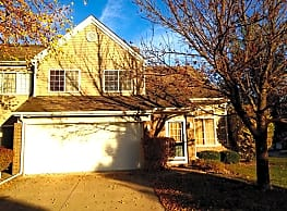 Woodland Townhomes - West Des Moines