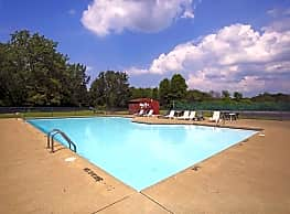 High Point In The Park Apartments - Elyria