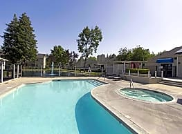 Lakeside Apartments - Fresno