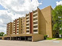 Carriage Park Apartments - Pittsburgh
