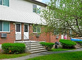 Woodbury Apartments - Middletown