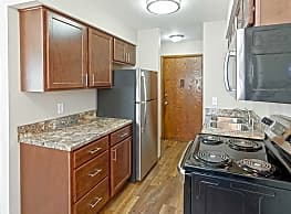 Lakeview Apartments - Moundsview