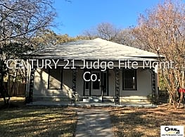 Spacious 3/2 Within Walking Distance of UNT Campus - Denton