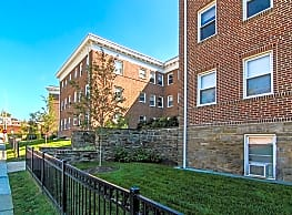 Suburban Court Apartments - Ardmore