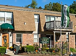 Country Manor Apartments - Middletown