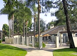 Amber Ridge Apartments - La Verne