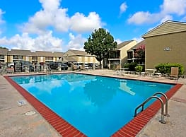 Winding Trails Apartments - Houston