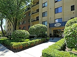 Cook Apartments at Libertyville - Libertyville