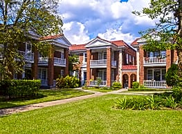 Vineville Court Apartments - Huber