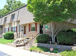 Misty Glen Apts & Townhomes - Topeka