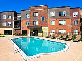 Victoria Park Apartments and Townhomes - Saint Paul