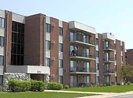 Riverwood Apartment Homes - Lansing